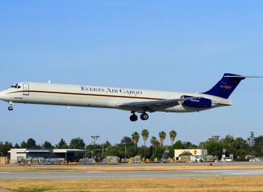 Karen Wing - Derin Allard_Everts Air Cargo DC-9-82F N73444 (96)(Ldg) LGB (DAD)(46) (1)